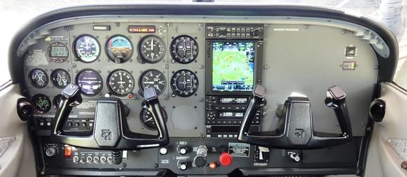 Cessna 172 Instrument Panel Labeled