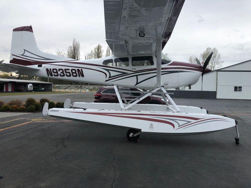 N9358N-floats-800x600